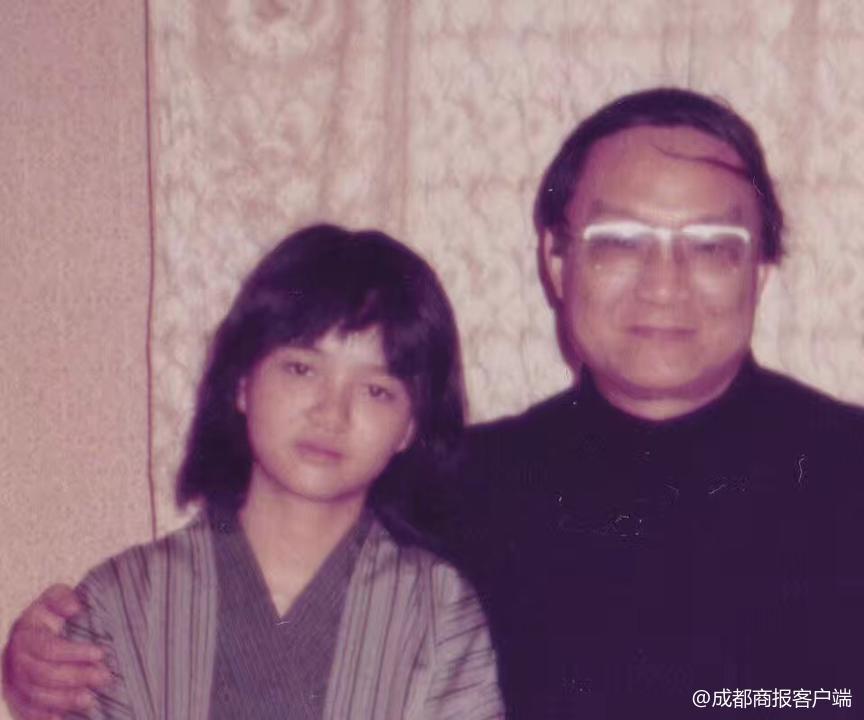 """女儿查传讷曾谈金庸:父亲告诫我人贵在有""""自我"""""""