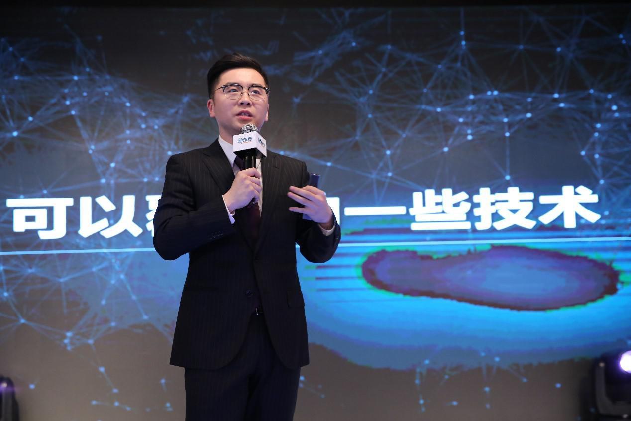 新东方发布AI战略与产品,俞敏洪对AI教育提三点要求