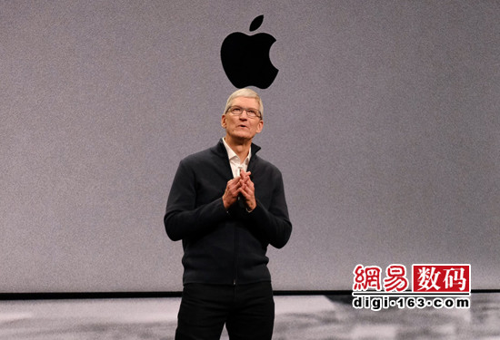苹果发布新 Macbook.  Air:新增屏/  8348元起