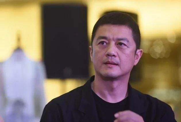 """演过""""令狐冲""""的李亚鹏如今欠下4000万巨债"""