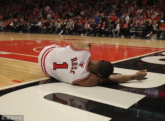 罗斯的翻身之夜?别想太多,他还是配角,只是想打篮球
