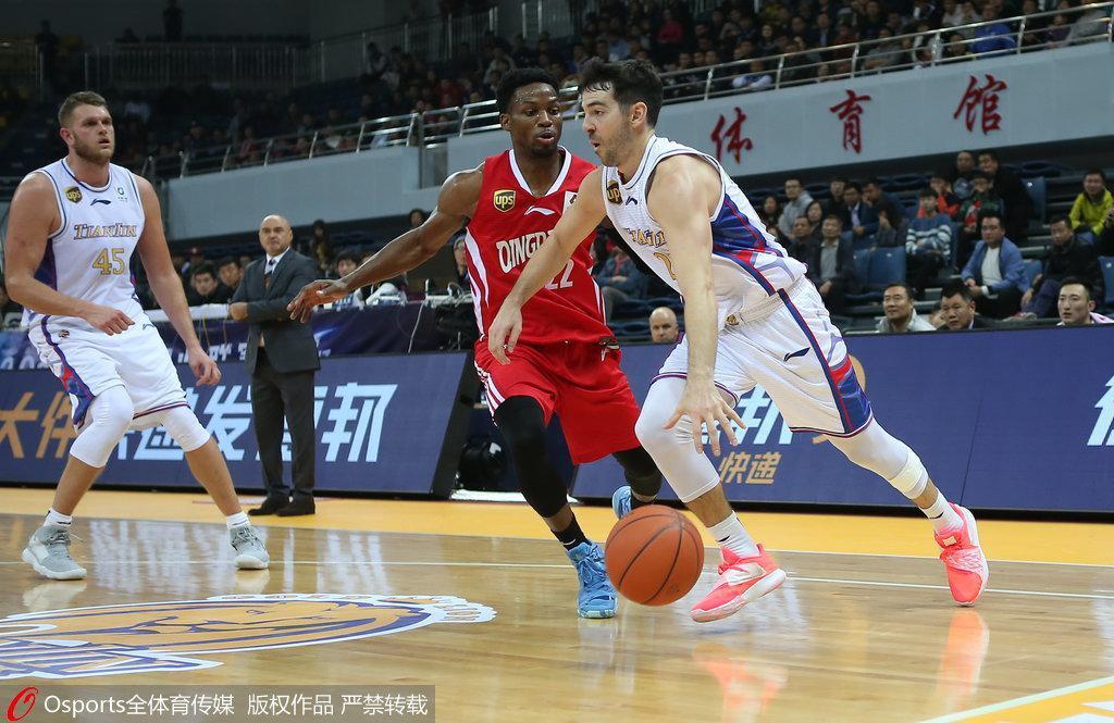 天津胜青岛结束两连败 罗切斯特29+4李荣培23+15