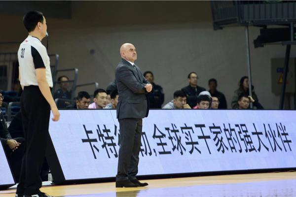 天津主帅:盼球队不依靠外援 张智涵出任替补是战术