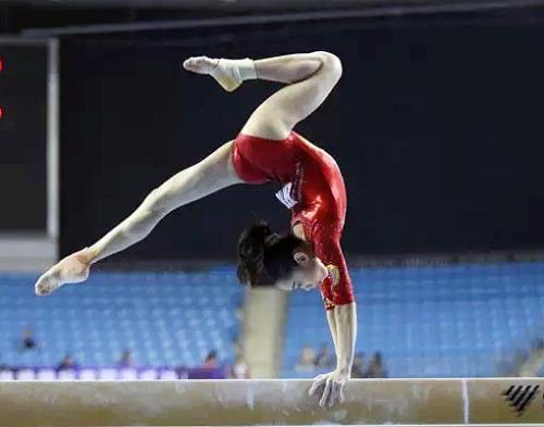 刘婷婷教练:乐观大胆帮助她成功 遇到困难不找借口