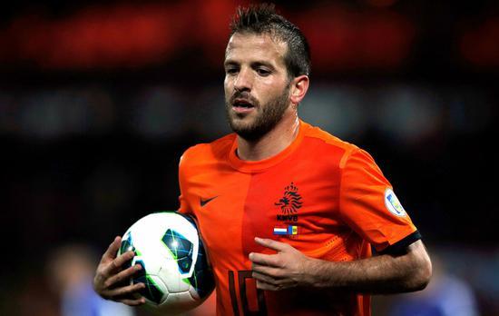 又一位荷兰传奇告别!35岁范德法特宣布因伤退役