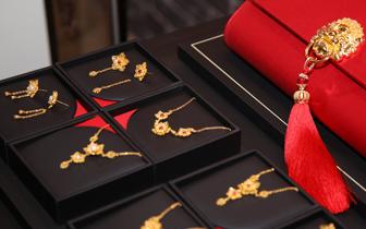 如何合理利用灯光来增强顾客购买珠宝的欲望?