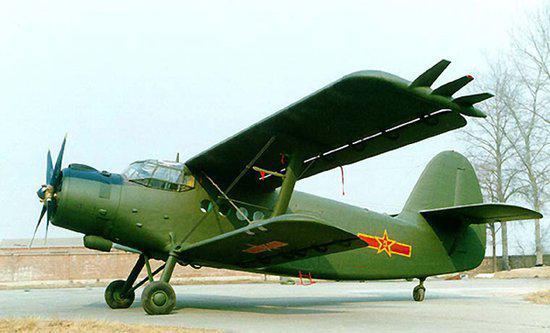 (中国空军装备的运-5运输机)