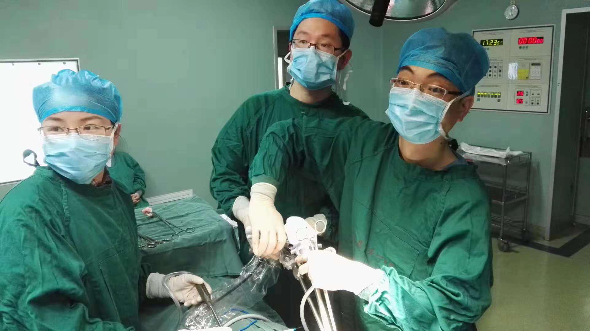 南大三附院心胸外科成功完成hookwire精确定位-胸腔镜下