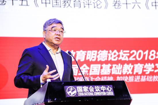 全国政协副秘书长、民进中央副主席朱永新
