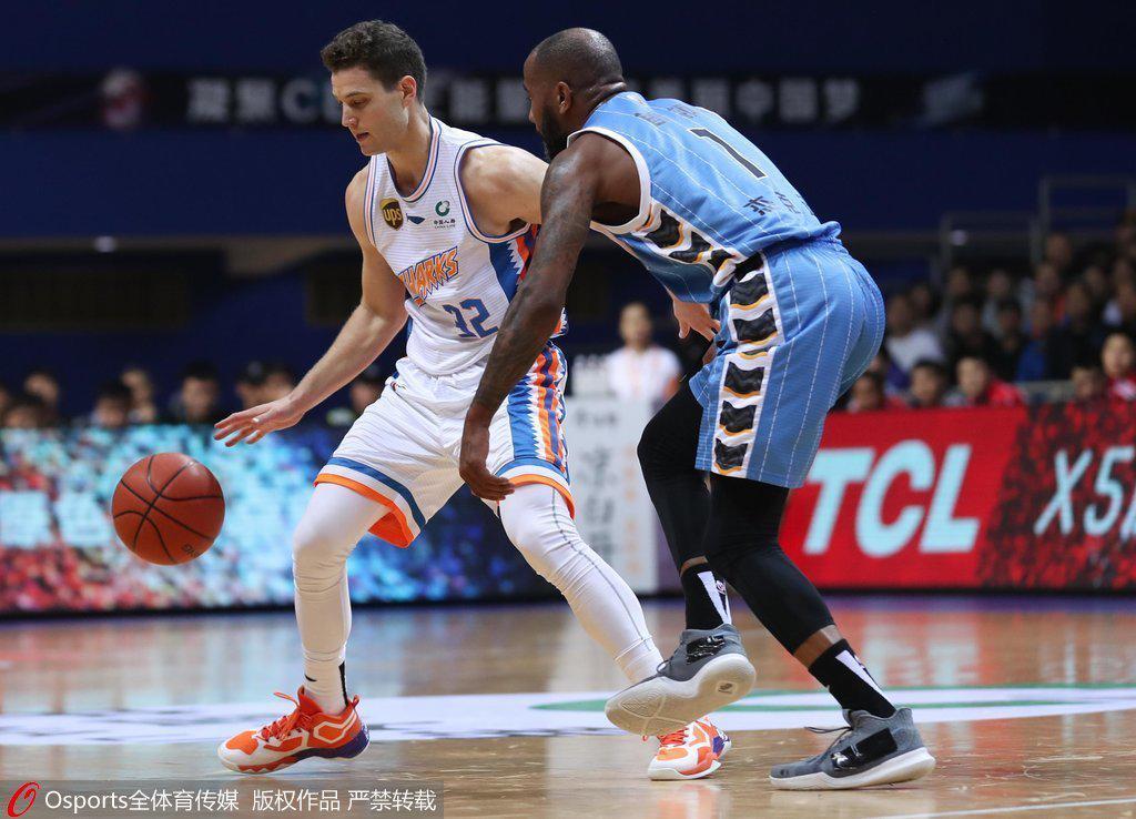 汉密尔顿31+6助北京复仇上海 弗雷戴特21分