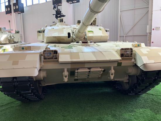 (本次航展中展示的VT-4t坦克)