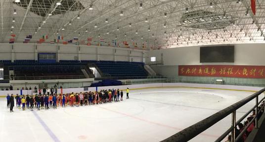 黑龙江省滑冰夏(冬)令营佳木斯站第一期正式启动