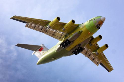 2013年1月26,中国首款自主战略运输机运-20首飞成功