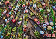 多彩的印尼水上集市