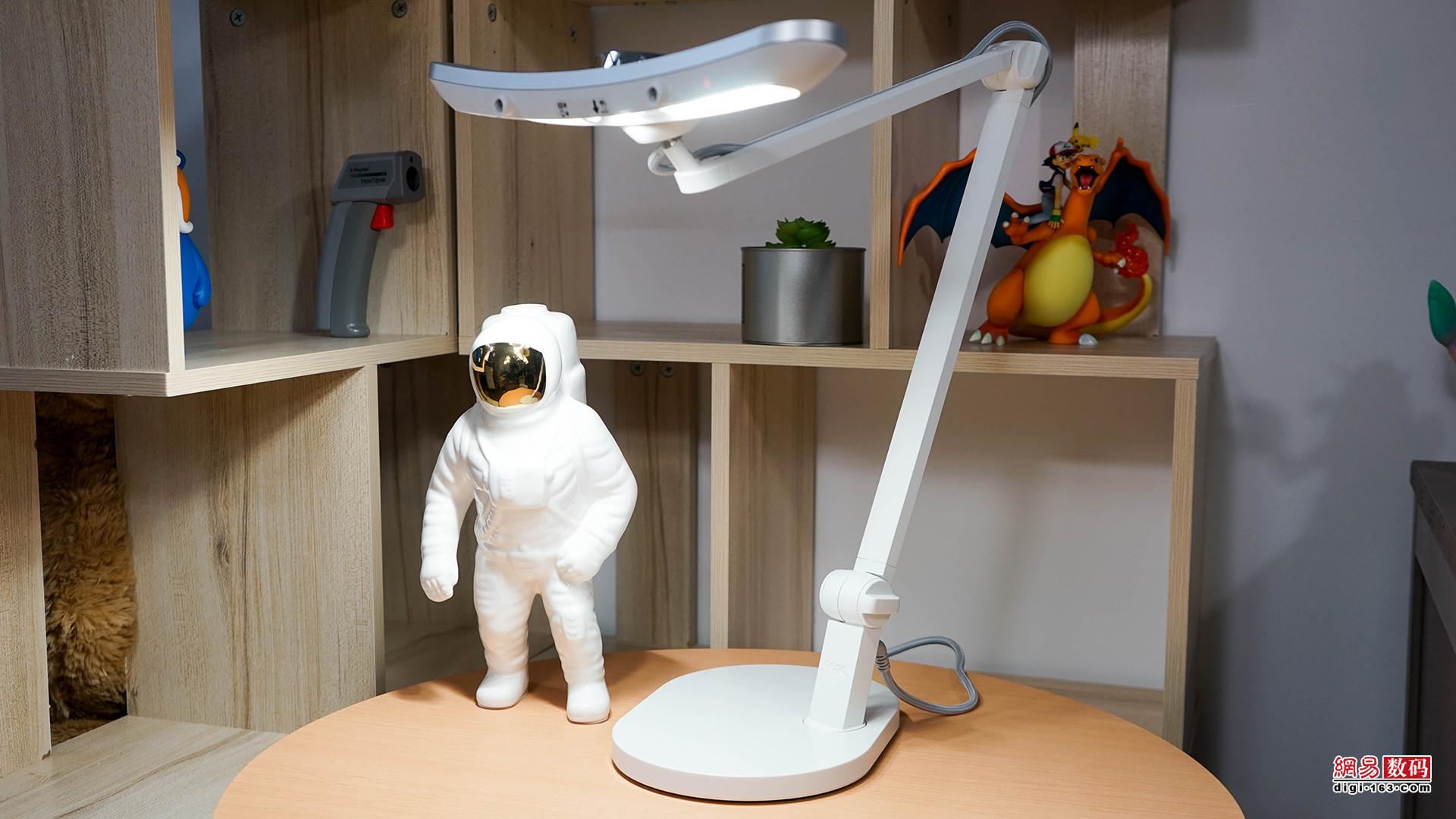 明基MindDuo Plus台灯开箱:定位儿童,设计与功能很友好
