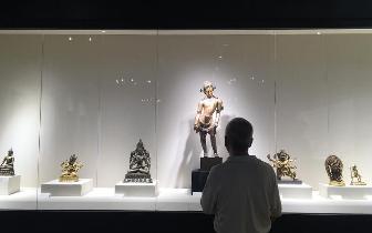 北京古天一来厦门巡展 台湾知名艺术机构藏品公开展出