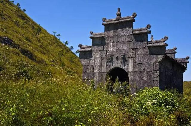 韶关秋天最值得去的两条山间古道,加起来超过4000年历