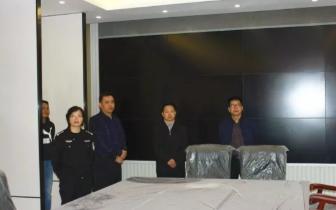 金城江区委书记覃生贤深入金城江分局调研指导