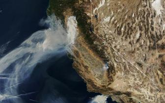 NASA公布加州山火卫星照片