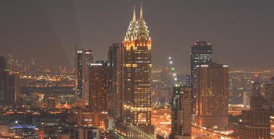 夜幕将至华灯初上 傍晚时分的迪拜风光