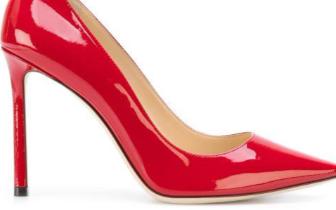 穿高跟鞋易致骨盆倾斜 医生提醒:爱美要注意