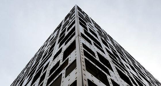 沈阳一楼房似钢铁线路板成路人焦点