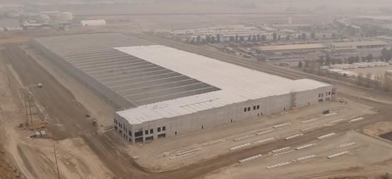 特斯拉在加州北部新建巨大建筑 或是大型配送中心
