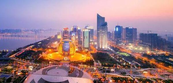中国这六个城市住的富豪最多!