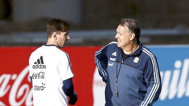 曝阿根廷足協想派梅西勸馬爾蒂諾回歸 這操作???