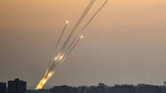 以军称已拦截上百枚火箭弹 打击加沙160个目标