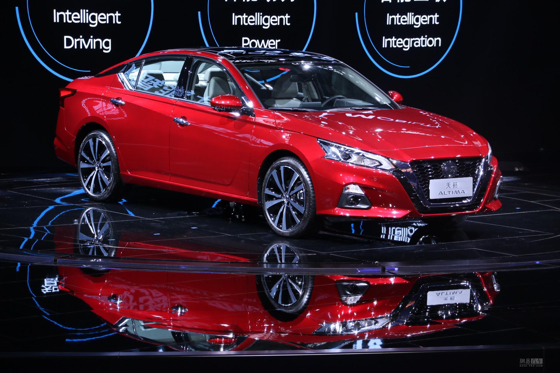 增加2.0T发动机 全新日产天籁广州发布