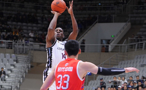 哈德森42分率辽宁120-108逆转广州