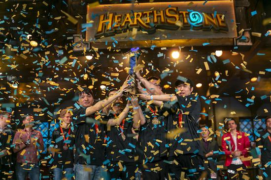 庆中国队炉石世界杯夺冠 《炉石传说》免费领取5个卡牌包