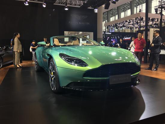 靓色车漆抢眼 DB11 Volante特别版车展发布