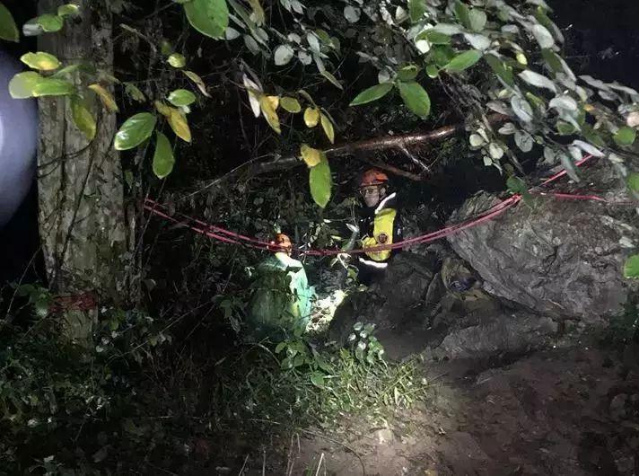 留学归来女生遗体悬崖下被发现 其父:怎么会在此地