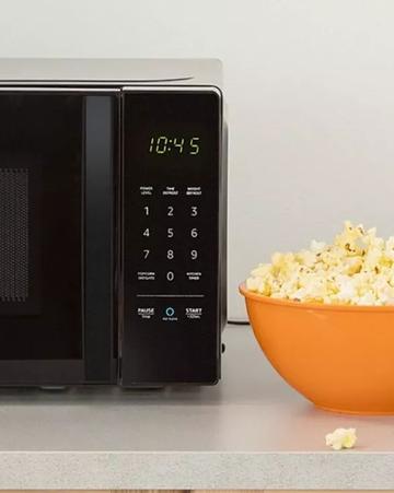 亚马逊智能微波炉:自动算好热饭时间