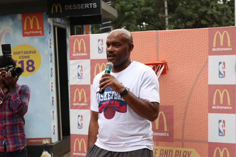 名宿:KD是NBA唯一不可阻挡之人 湖人最多二轮游