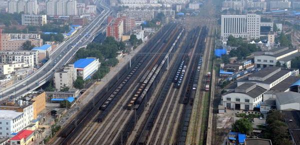 实拍亚洲最大的铁路站 走错一条就是灾难