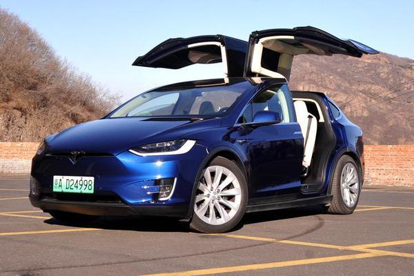 智能多彩车生活 体验特斯拉V9.0系统