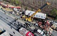高速上28车相撞 致3死10伤