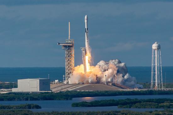 SpaceX放弃猎鹰9火箭二级回收计划 全力转向新火箭【组