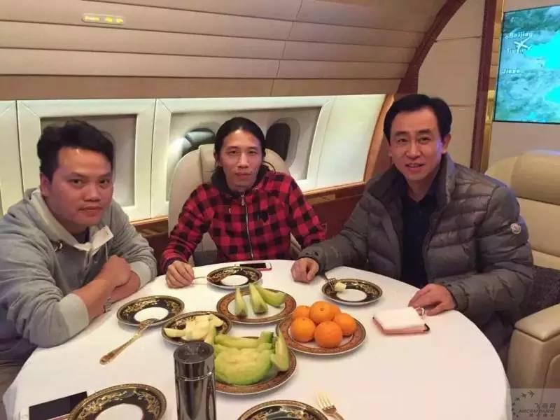 网易记者与许老板共进晚餐