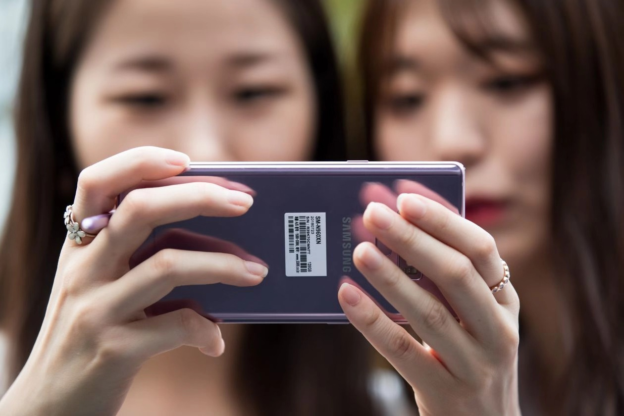 Galaxy.  S十周年版曝光:支持 5G, 配备 6个摄像头