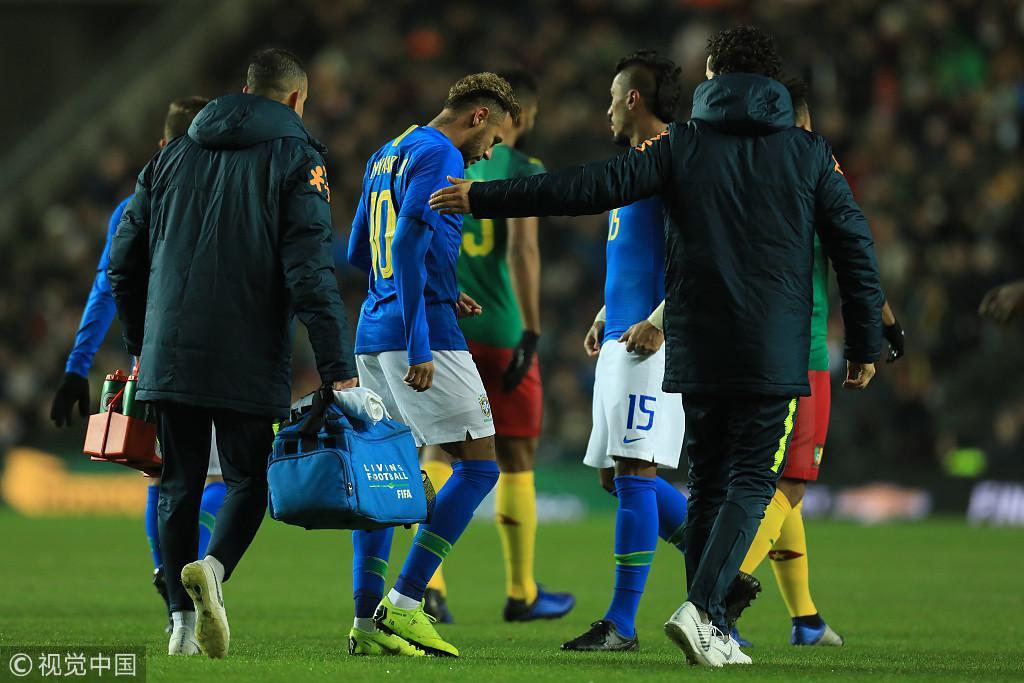 热身-内马尔伤退英超猛将暴力头槌 巴西1-0喀麦隆