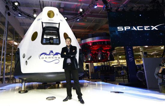 SpaceX载人宇宙飞船将于明年1月进行首