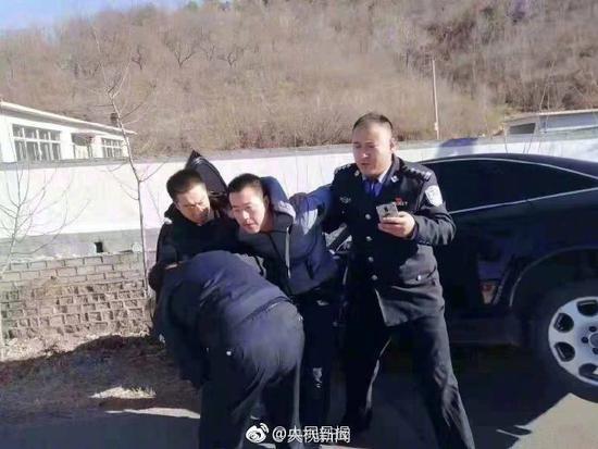 辽宁小学门口开车撞人案嫌犯被刑拘 排除醉驾毒驾