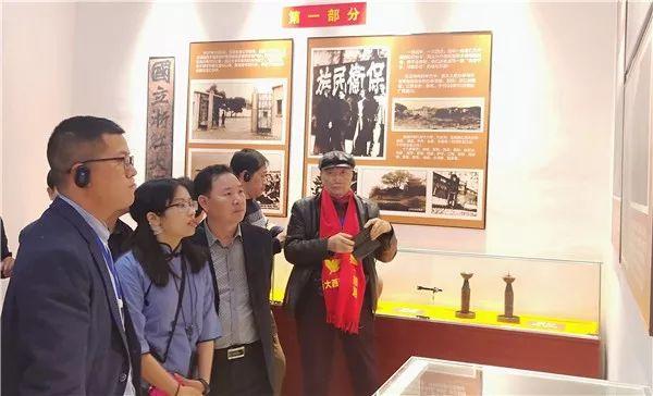浙大考察团到宜州参观浙大社会实践服务主题展馆