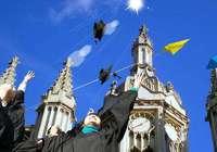 无条件录取降低教育质量 英大学校长联名要求取消