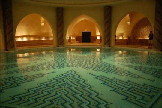 为什么摩洛哥女人会跟陌生人一起洗澡呢?