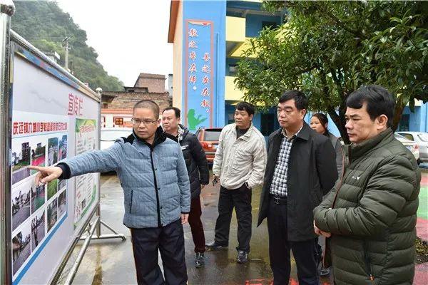 宜州:梁宁到乡镇调研义务教育均衡发展工作